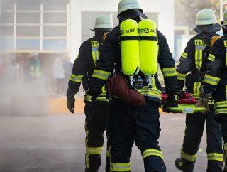 Niebezpieczeństwa w pracy strażaka – czy warto nim zostać?
